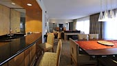 wdw-contemporary-room-type-presidential-suite-theme-park-view-170x96.jpg