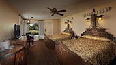 wdw-caribbean-beach-room-type-pirate-room-standard-view-170x96.jpg
